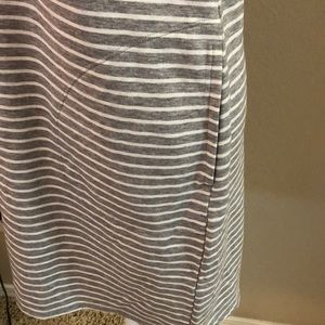 32 Degrees Dresses - EUC Grey and White Striped Sleeveless Dress